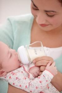 donner-biberon-bebe