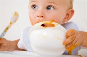 manger-cuillere-bebe
