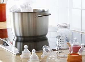 steriliser-les-biberons-de-bebe